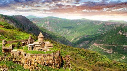 Հայաստանի 8 հրաշալիքները. երրորդ հրաշալիքը՝ Տաթևի վանքը