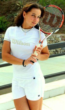 Ani Amiraghyan: An Armenian tennis star