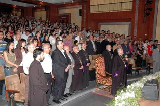 Aram Catholicos meets with the Armenian youth in Aleppo