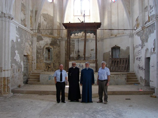 Catholicos Aram visits the ruins of the Monastery of Magar