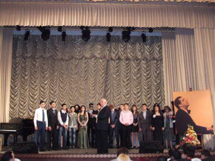 Amateurs are singing Arno Babajanyan