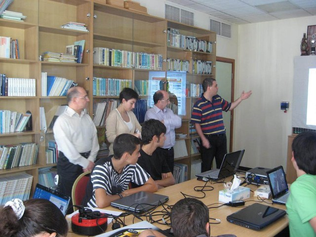 Ohanessian School students and teachers gather for an introductory presentation about the Armenian Virtual College.