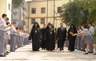 Karekin II Visits Armenian College and Philanthropic Academy of Calcutta