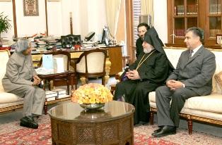 Karekin II meets with President Abdul Kalam of India