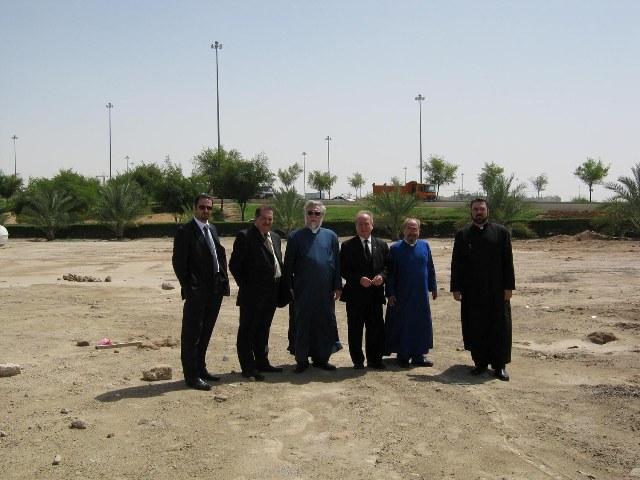 Catholicos Aram I inspects the location of the future Armenian Church in Abu Dhabi