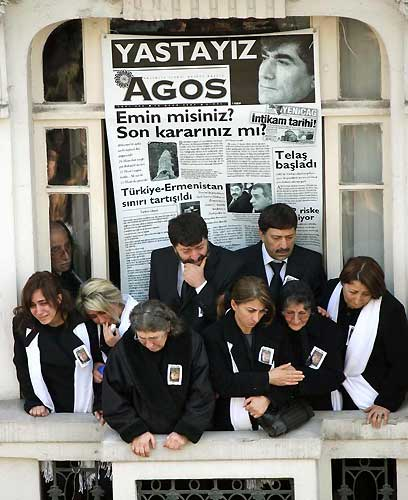 Hrant Dink mourners at the balcony of AGOS Armenian daily of Istanbul