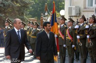 Iranian President Ahmadinejad visits Yerevan