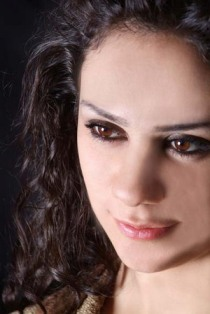 Lena Chamamyan stuns Cairo audience with powerful vocals