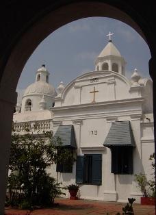 Karekin II visits Madras and oldest Armenian Church in Far East