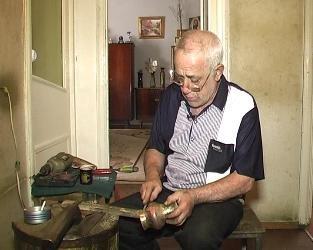 Gyumri's Mushurba carftsaman Edik Jamkochyan