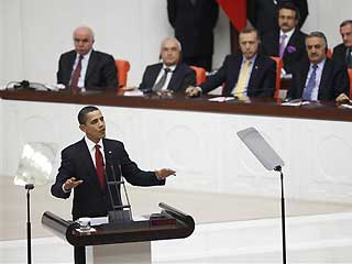 On Turkish soil, Obama stands by position and raises the political issue of Genocide