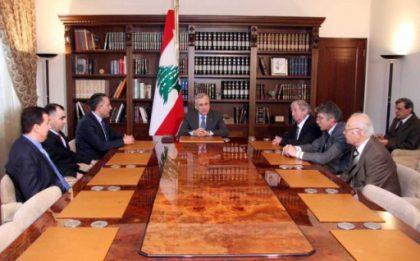 Lebanese President receives visiting Armenian intellectuals