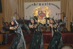Barekamutyun folk dance troupe