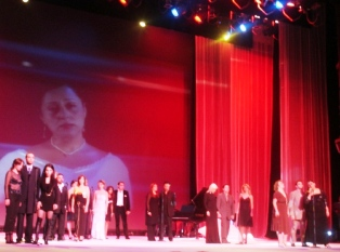 'To the memory of Vartuhi Vartanian', performed by all participants.